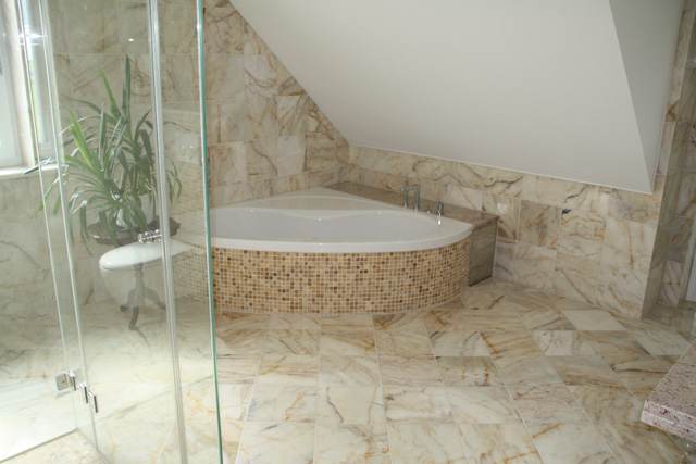 B der naturstein d lger - Granitfliesen im bad ...